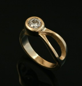 Two River Ring 14k Gold - Diamond