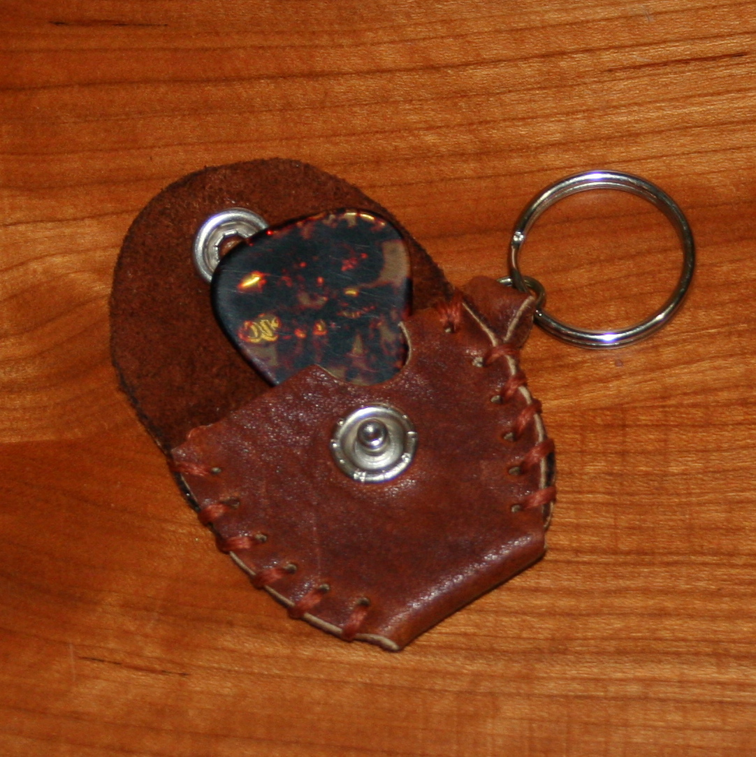 guitar pick holder (brown-red)